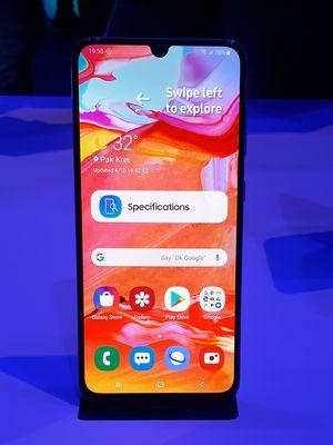 Galaxy A70 dalam acara Samsung di Bangkok, Thailand, Rabu (10/4/2019).