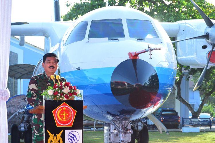 Panglima TNI Marsekal TNI Hadi Tjahjanto meresmikan monumen pesawat N250 Prototype Aircraft 01 (PA01) Gatotkaca di Museum Pusat TNI AU, Dirgantara Mandala, Yogyakarta, Rabu (26/08/2020).