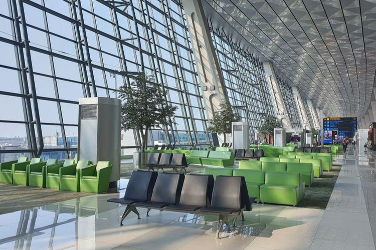 Ilustrasi Terminal 3 Bandara Soekarno-Hatta, Jakarta, Indonesia. Bandara Soekarno-Hatta menempati World?s Top 100 Airports 2020 peringkat ke-35 versi Skytrax World Airport Awards 2020.
