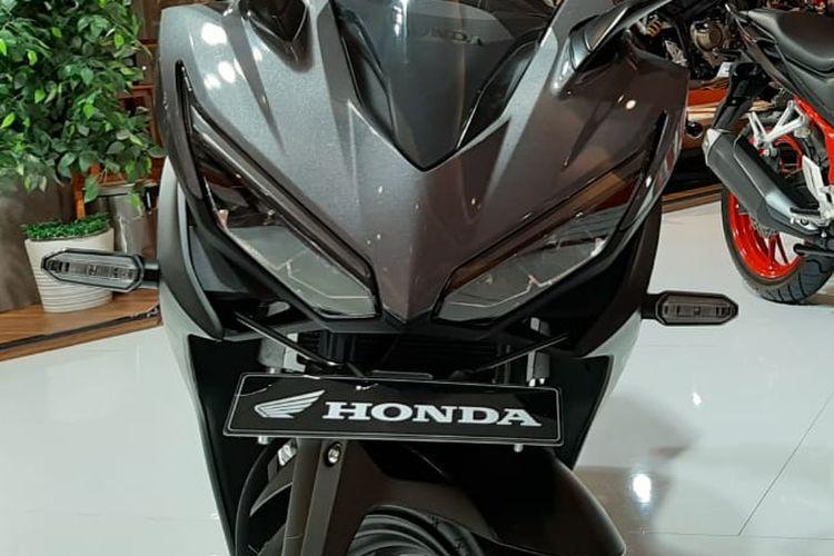 Pilihan motor sport 150-200 cc memberikan diskon yang menarik selama Telkomsel IIMS 2019