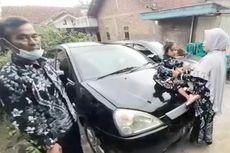 Melihat Prosesi Potong Rambut Gimbal Bocah Dieng, Minta Mie Ayam dan Mobil