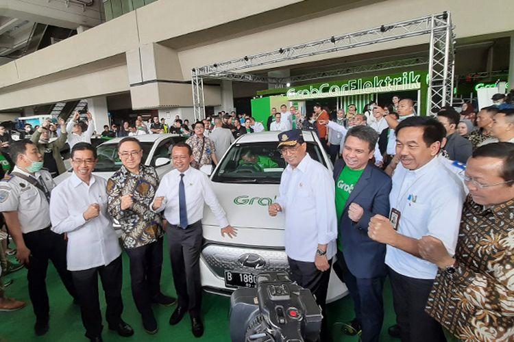 Hyundai Ioniq resmi layani penumpang Grab di Bandara