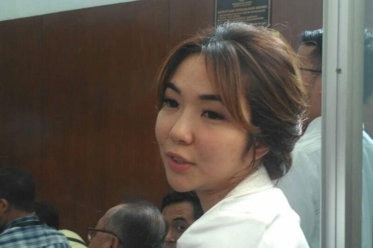 Gisella Anastasia atau Gisel menghadiri sidang proses perceraiannya dari Gading Marten di Pengadilan Negeri Jakarta Selatan, Jalan Ampera Raya, Cilandak, Rabu (12/12/2018).
