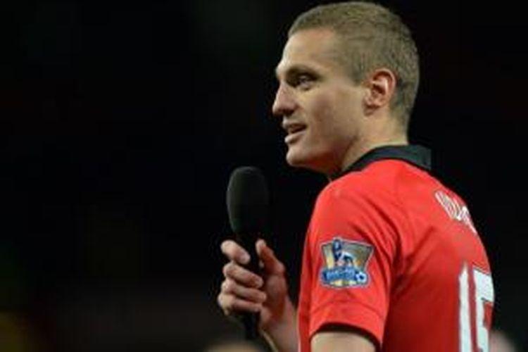 Bek Manchester United, Nemanja Vidic.