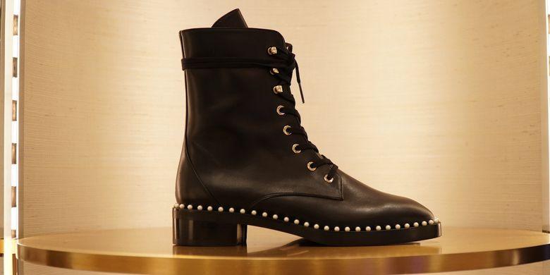 Koleksi sepatu Stuart Weitzman.