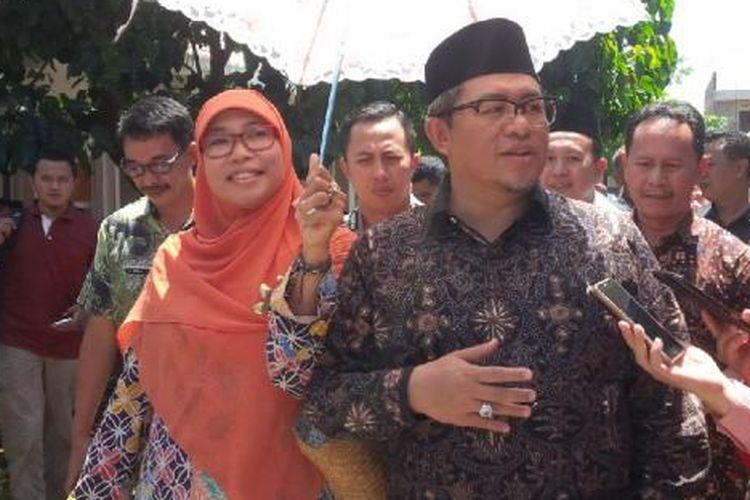 Gubernur Jawa Barat Ahmad Heryawan beserta istri,Netty Prasetiyarini.