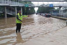 Jalan Perintis Kemerdekaan Banjir, Hanya Satu Jalur yang Bisa Dilintasi