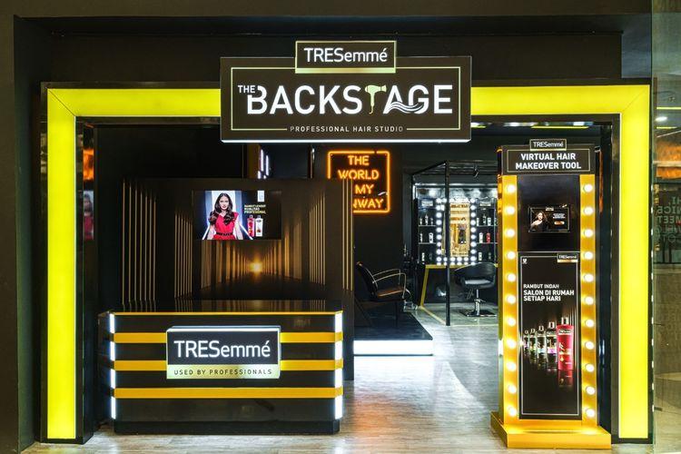 TRESemme The Backstage Professional Hair Studio yang berlokasi di mal Senayan City Jakarta.