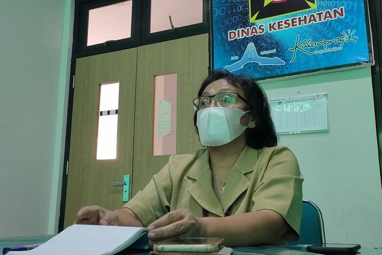 Juru Bicara Gugus Tugas Penanganan Covid-19 Kulon Progo Daerah Istimewa Yogyakarta, TH Baning Rahayujati