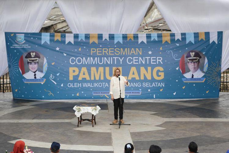 Kepala Dispora Kota Tangsel, Wiwik Martawijaya dalam acara Peresmian Community Center Pamulang