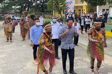 Kunjungan Pertama di Tanah Papua, Menteri Nadiem Temui Suku Moi di Kota Sorong