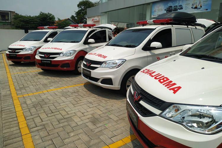 Wuling Motors mendonasikan lima unit Wuling Confero kepada Rumah Zakat untuk dipakai sebagai ambulans dan mobil klinik.