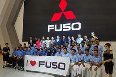Mitsubishi Fuso Sumbang Colt Diesel buat Sekolah