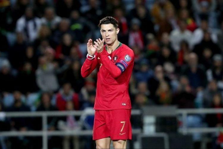 Pemain depan Portugal, Cristiano Ronaldo bereaksi selama pertandingan kualifikasi sepak bola Grup B UEFA Euro 2020 antara Portugal dan Lithuania