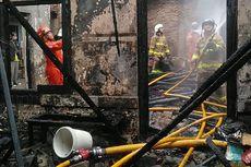 Kebakaran di Kalibata, Proses Pemadaman Ditonton Banyak Warga