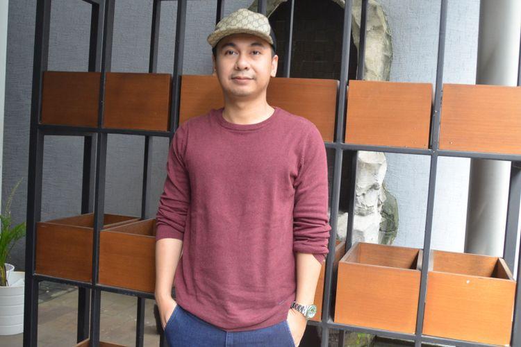 Raditya Dika ditemui saat Mini Group Interview bersama Raditya Dika di kawasan Menteng, Jakarta Pusat, Rabu (20/2/2018).