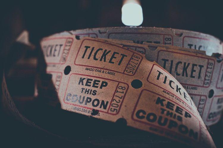 Ilustrasi tiket bioskop: Daftar bioskop buka di Bandung Raya mulai hari ini Kamis (16/9/2021).