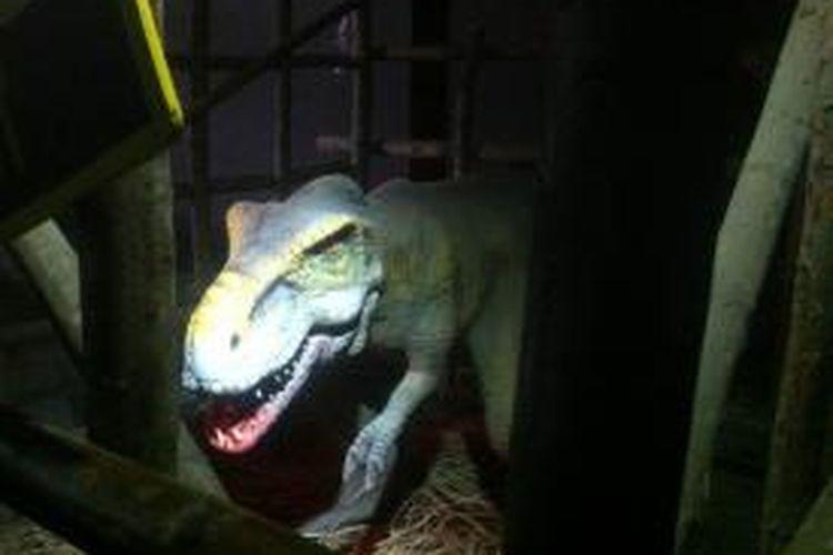 Replika Tyranosaurus atay T-Rex di wahana edukasi Jungleland Adventure Theme Park