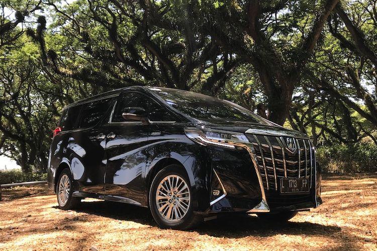 Toyota Alphard Hybrid, menjadi salah satu MPV premium berteknologi hybrid terlaris di Indonesia saat ini.
