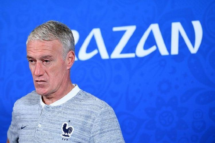 Pelatih timnas Perancis, Didier Deschamps, jalani jumpa pers jelang laga versus Australia di Kazan Arena, 15 Juni 2018.