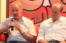 Former Indonesian National Team Coach Alfred Riedl Passes Away Aged 70
