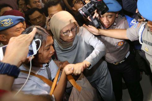 BERITA POPULER JABODETABEK: Ratna Sarumpaet Ditangkap, Normalisasi Sungai, dan Anggota DPRD DKI yang Mundur