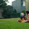 Boy William Ungkap Kisah Haru di Balik Topeng Tersenyum Badut Jalanan