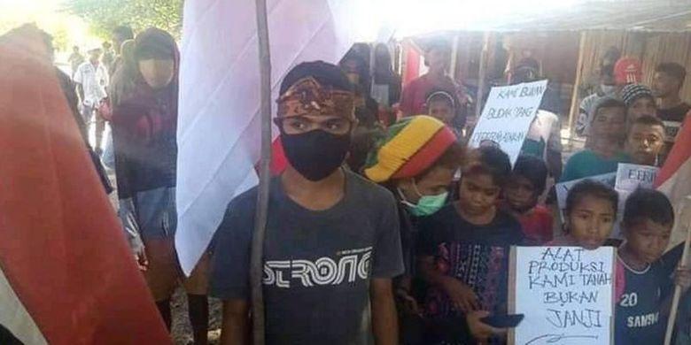 Ratusan ribu warga Timor Timur - kini bernama Timor Leste - eksodus ke Indonesia pada saat referendum Timor Timur digelar pada 1999. Mereka adalah warga Timor Timur yang memilih Indonesia menjadi tanah airnya.