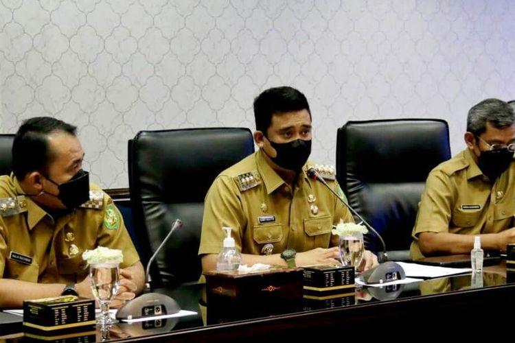 Wali Kota Medan Bobby Nasution memimpin rapat koordinasi bersama tim Saber Pungli Kota Medan, dia ingin mewujudkan Kota Medan bebas pungli, Selasa (18/5/2021)