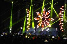 Lautan Cahaya Ponsel Hiasi Konser Perpisahan Boyzone di Jakarta