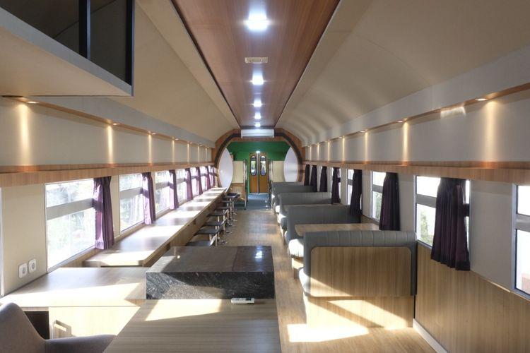 Kafe dalam prototipe kereta Si Belo Kuda Troya milik PT INKA yang ada di Kota Madiun, Jawa Timur.