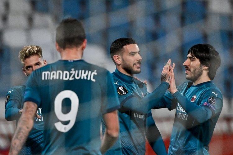 AC Milan harus rela ditahan imbang 2-2 saat bertandang ke markas Red Star Belgrade pada laga leg pertama babak 32 besar Liga Europa, Jumat (19/2/2021) dini hari WIB.