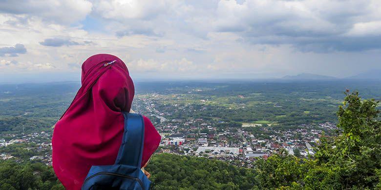 Kota Wonogiri dari Gunung Gandul