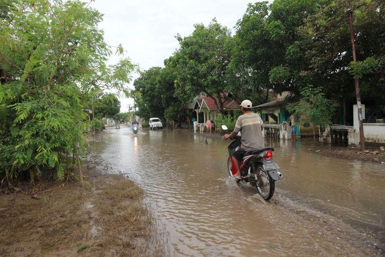 Suasana di Dusun Beluk, Desa Jombok, Kecamatan Kesamben, Kabupaten Jombang Jawa Timur, setelah dilanda banjir selama dua pekan, Jumat (15/1/2021).