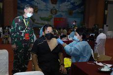 2.400 Purnawirawan Beserta Istri Terima Vaksinasi Covid-19 di Mabes TNI