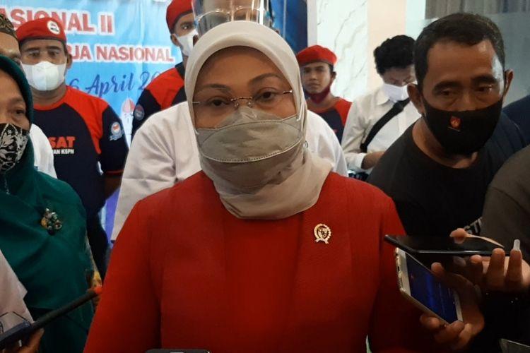 Menteri Ketenagakerjaan Ida Fauziyah usai membuka acara Munas II FKSPN di Hotel Grasia Semarang, Senin (5/4/2021).