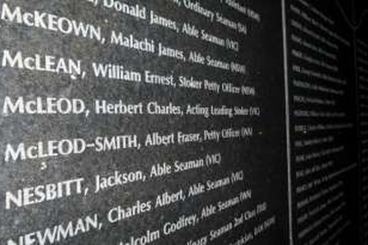 The Wall of Remembrance dpada HMAS Sydney II Memorial di Geraldton, Australia Barat.