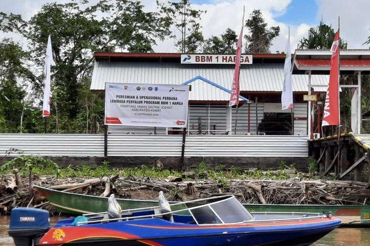 SPBU Kompak BBM Satu Harga di Kampung Yamas, Distrik Joerat, Kabupaten Asmat, Papua.