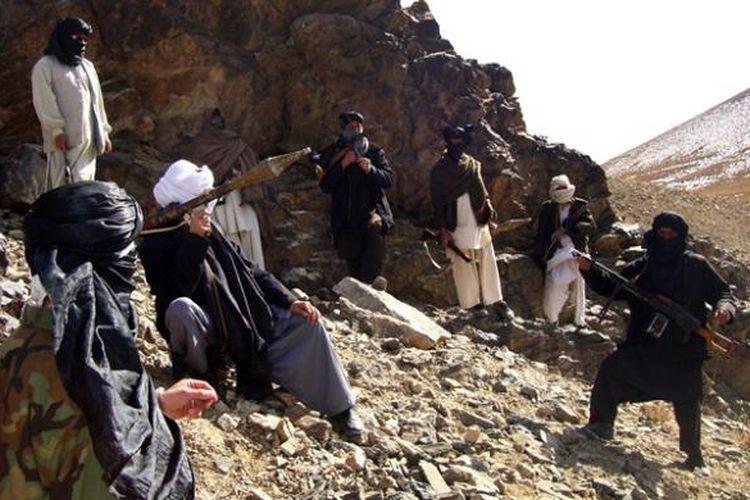 Pasukan Taliban saat berpatroli di Provinsi Ghazni, Afganistan.