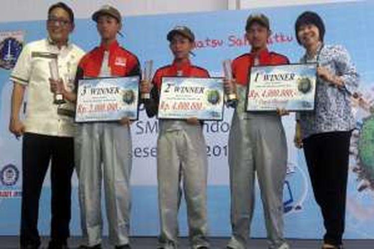 Para siswa pemenang Daihatsu Skill Contest 2016.