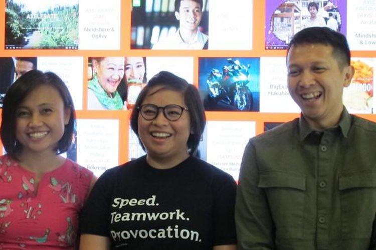 (ki-ka) Veronica Utami, Head of Marketing Google Indonesia; Nirmala Hapsari, Associate Partner Mindshare; dan Afianto Makmun, Executive Director Mullen Lowe saat pengumuman 10 video iklan terbaik di YouTube, Selasa (24/1/2017)
