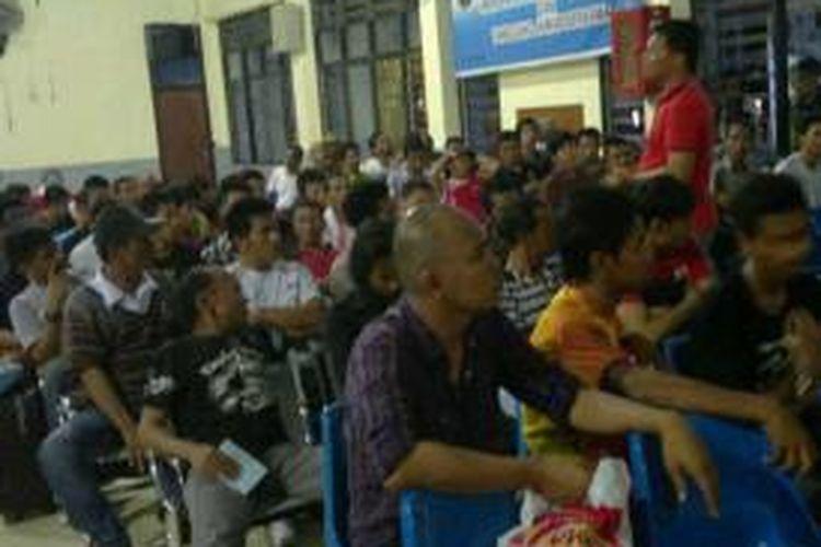 Pemerintah Malaysia kembali mendeportasi 125 Buruh Migran Indonesia BMI ilegal melalui Pelabuhan Tunon Taka Nunukan Kalimantan Utara.