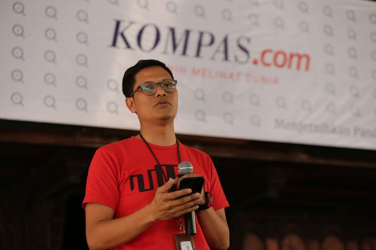 Pemimpin Redaksi Kompas.com Wisnu Nugroho memberikan sambutan saat perayaan HUT Kompas.com di Bentara Budaya Jakarta, Palmerah Selatan, Jakarta, Jumat (14/9/2018). Berbagai acara dan kegiatan meramaikan acara HUT yang ke 23  Kompas.com yang jatuh pada tanggal 14 September.