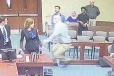 Di Ruang Sidang, Terdakwa Kasus Paedofilia Coba Tikam Jaksa