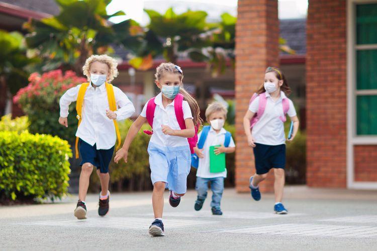 Ilustrasi anak memakai masker