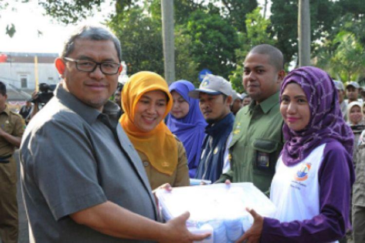Pemerintah Provinsi Jawa Barat mengimbau masyarakat membeli hewan kurban berlabel sehat untuk menghindari penularan penyakit.