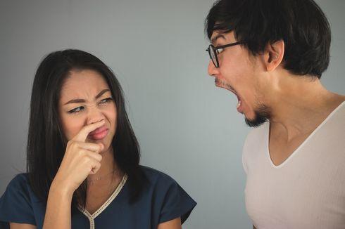 Istri Bisa Bantu Suami Atasi Bau Mulut, Tahu Caranya?