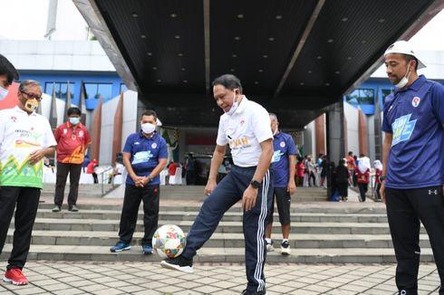 Kemenpora Kreasikan Gerakan Dasar Sepak Bola Menjadi Senam