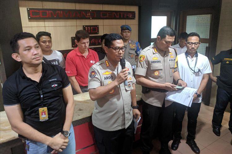 Kabid Humas Polda Metro Jaya, Kombes Argo Yuwono memberi keterangan pers terkait penangkapan Jerry D Gray yang sebut pemeritah komunis, Selasa (28/5/2019).