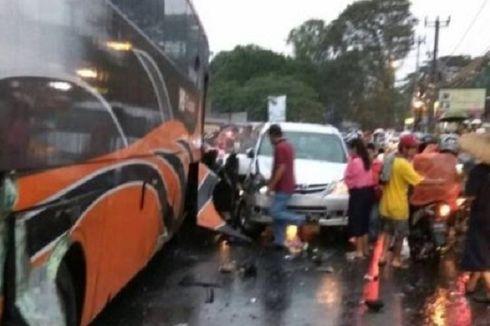 Kecelakaan Maut di Puncak Dipicu Bus Pariwisata Hilang Kendali